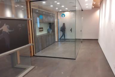 משרדים להשכרה בהרצליה בבנין בוטיק מטופח, חדשר ישיבות