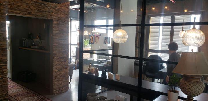 משרד מרוהט יפייפה בש. מונטיפיורי, חדר עבודה