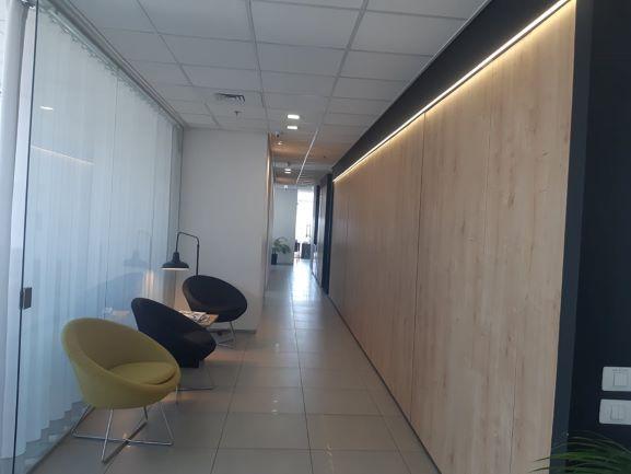 """221 מ""""ר משרד מטופח בבסר 4מסדרון"""