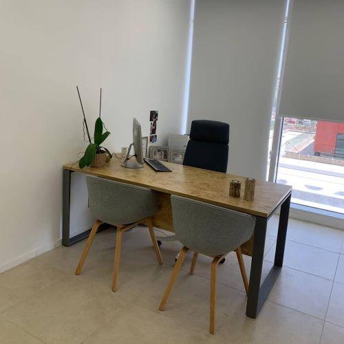 משרד בוטיק בבסר 4 שולחן עבודה