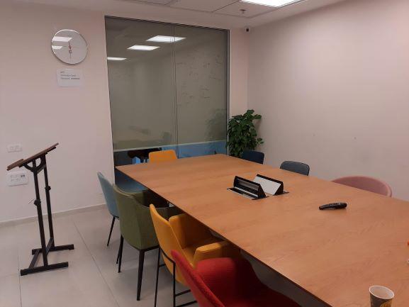 """160 מ""""ר משרד להשכרה בבסר 4, חדר ישיבות"""