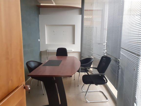 """2700 מ""""ר משרד היי טק בפארק אפק, חדר עבודה קטן"""