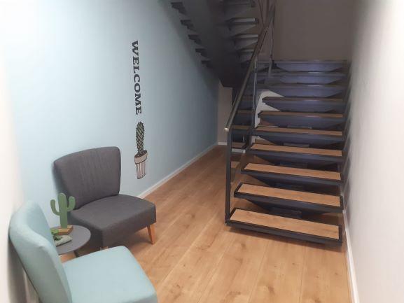 """230 מ""""ר, קרית אתגרים, רעננה, מדרגות"""