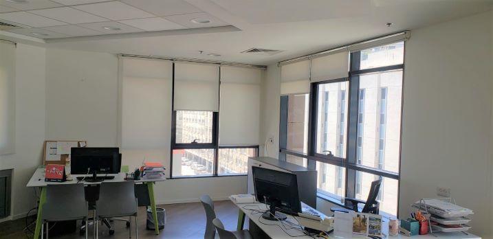 """200/300 מ""""ר משרד מיוחד להשכרה בשכונת מונטיפיורי, חדר עבודה"""