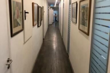 """580 מ""""ר משרד מטופח בברזל תל אביב, מסדרון"""