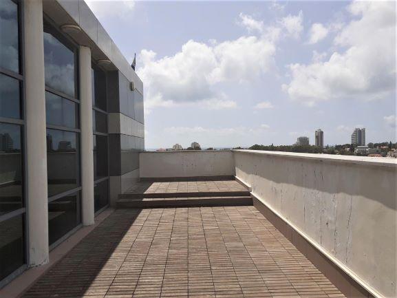 """170 מ""""ר להשכרה, בניין עזריאלי, משכית, הרצליה פיתוח, מרפסת"""