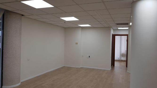 """101 מ""""ר משרד להשכרה בבית התעשיינים, חדר 2"""