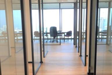 """242 מ""""ר משרדים חדשים ברסיטל, ק' גבוהה, מסדרון"""