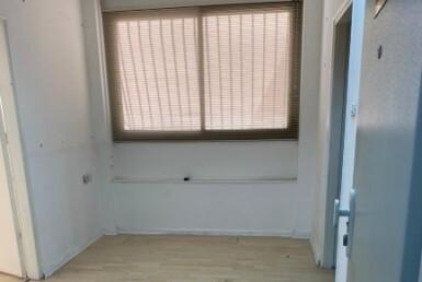 """52 מ""""ר משרד להשכרה בצייטלין ליד ככר רבין, חדר 1"""