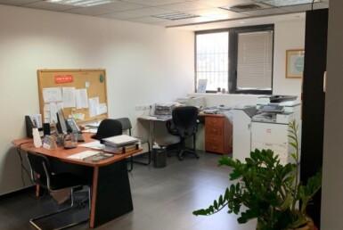 """100 מ""""ר משרד שקט בשכונת מונטיפיורי, חדר עבודה"""