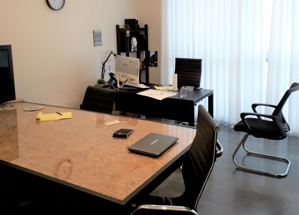 """200 מ""""ר משרד מושקע ק' גבוהה, חדר ישיבות"""