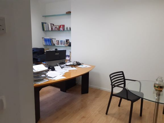 """230 מ""""ר משרד להשכרה בבנין בוטיק בהרצליה פתוח, חדר עבודה"""