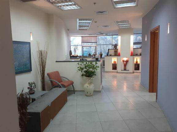 משרדים מטופחים להשכרה ק. אריה, כניסה