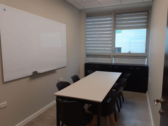 """125 מ""""ר משרדים מטופחים ביותר במוטה גור פינת ישיבה"""