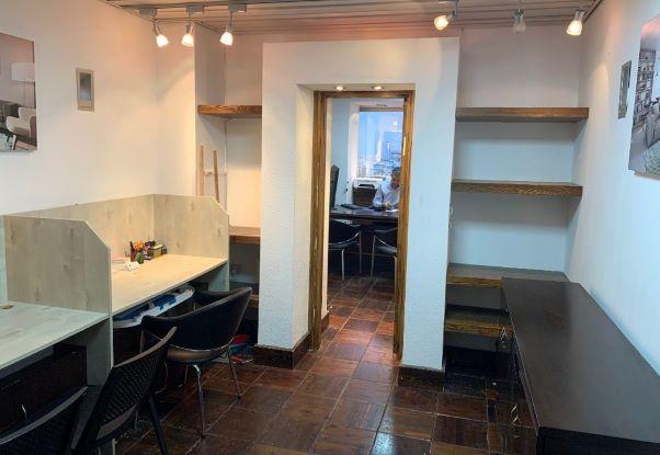 משרד קטן, מקסים בבית אמות ביטוח, חדר עבודה 2