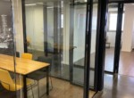 """500 מ""""ר משרדי היי טק מאובזרים בלב ת""""א, חדר ומחיצות זכוכית"""