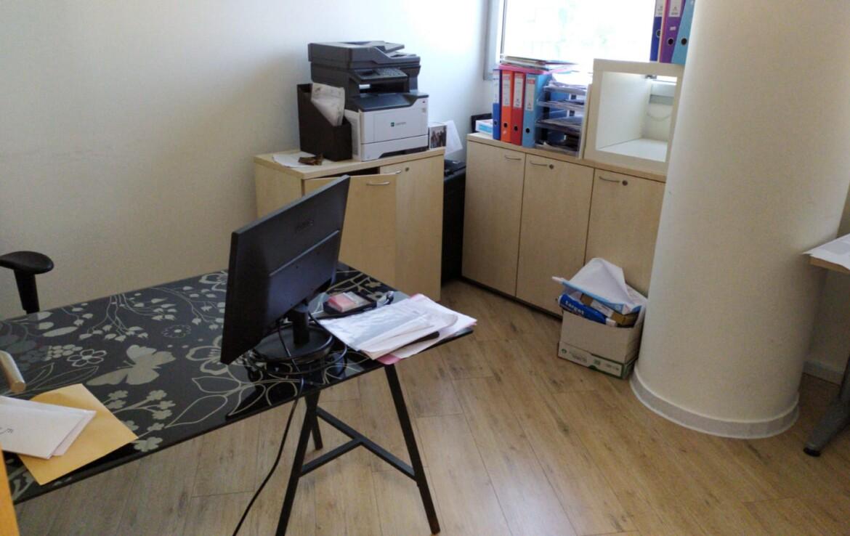 """135 מ""""ר משרד להשכרה מטופח במרכז הבורסה, חדר עבודה"""
