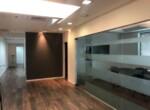 """230 מ""""ר משרד להשכרה בה.פיתוח, גימור מושלם, חדר ישיבות, זכוכית"""