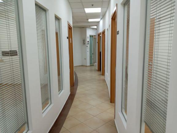 """133 מ""""ר משרד מטופח בגיבורי ישראל נתניה, מסדרון"""