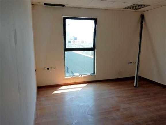 """165 מ""""ר משרד להשכרה לשיפוץ בנתניה, חדר עבודה"""