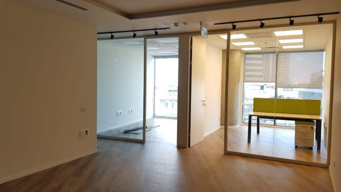 """260 מ""""ר משרד חדש במגדל ספיר החדש, חדר עבודה"""
