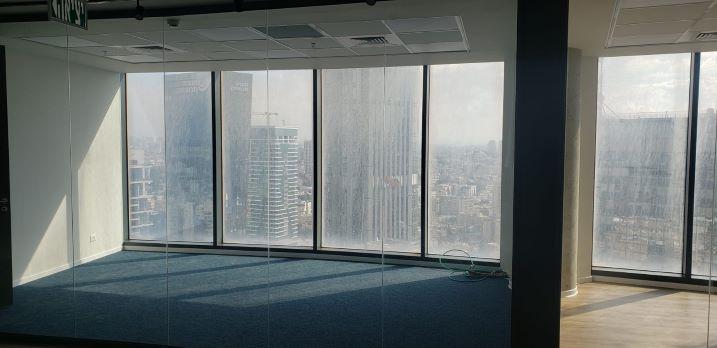 """460 ש""""ח משרדים חדשים להשכרה במגדל ספיר, חלונות גדולים"""