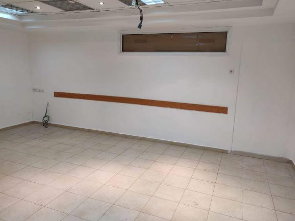 """175 מ""""ר משרדים ברעננה במחיר מדהים, חדר עבודה"""
