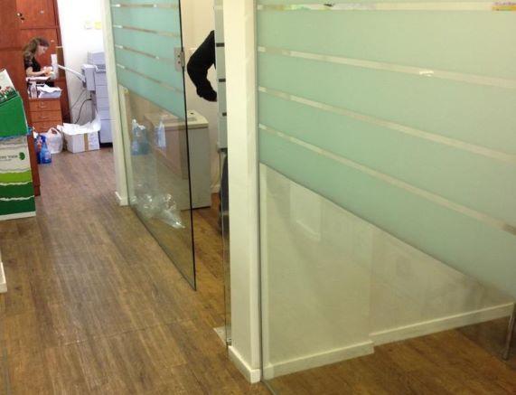"""140 מ""""ר משרד נדיר להשכרה בחשמונאים קירות זכוכית"""