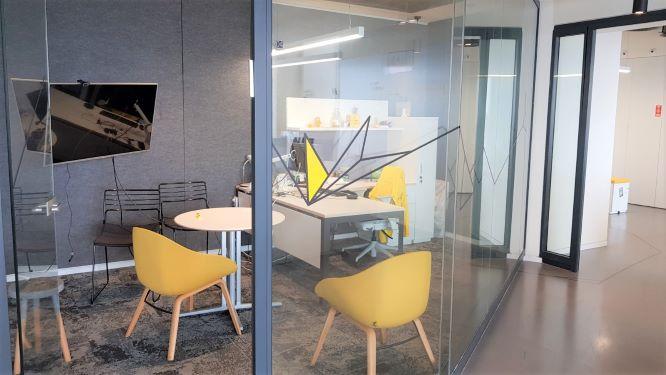 """750-1,500 מ""""ר משרדים במחיר מעולה, חדר עבודה"""