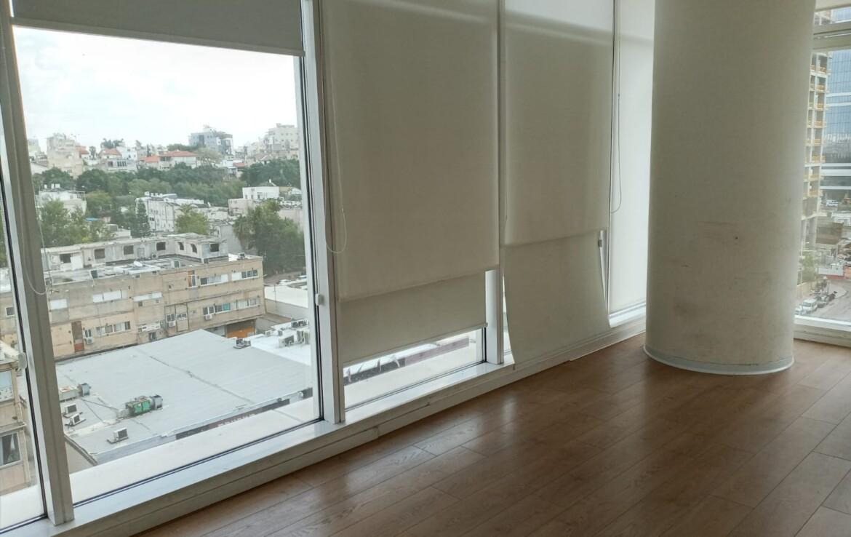 """220 מ""""ר משרד מטופח להשכרה בבסר 3, חלונות גדולים ונוף"""