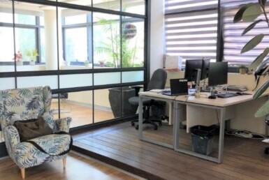 """251 מ""""ר משרד להשכרה על ציר יגאל אלון, חדר עבודה 2"""
