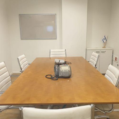 """משרד להשכרה משובח וזול בע ידע, כפ""""ס, חדר ישיבות"""