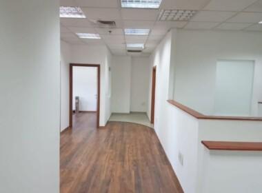 """180 מ""""ר משרד בבנין בוטיק מודרני וייצוגי, מסדרון"""