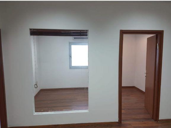 """180 מ""""ר משרד בבנין בוטיק מודרני וייצוגי, חדר ישיבות"""