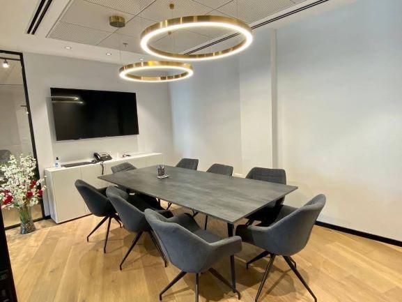 """170 מ""""ר משרד מפואר במגדל ספיר בבורסה, חדר ישיבות"""