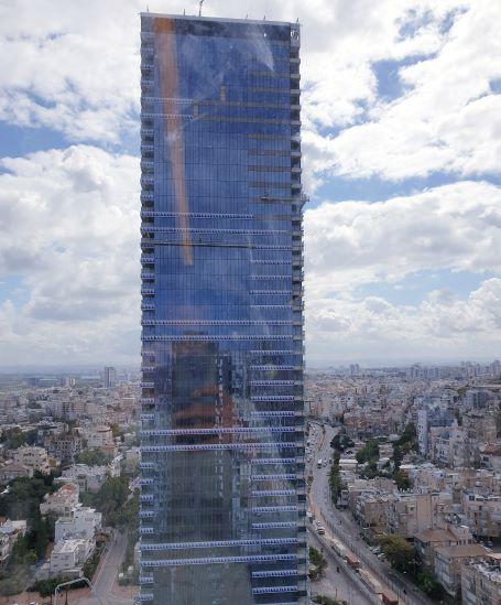 """187 מ""""ר משרד למכירה במגדל אלון, מחיר מדהים, מבחוץ"""