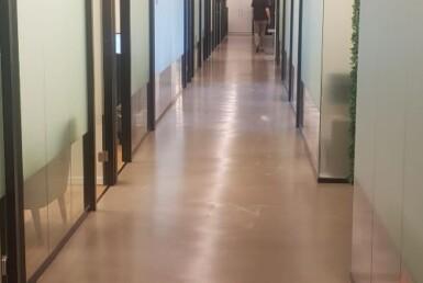 """900 מ""""ר משרד היי טק להשכרה על איילון, מסדרון"""