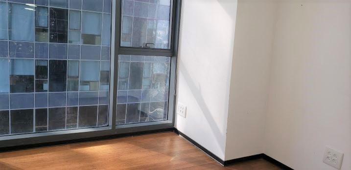 136 משרדים במגדלי אלון בק' גבוהה ובגימור מלא, חדר עבודה