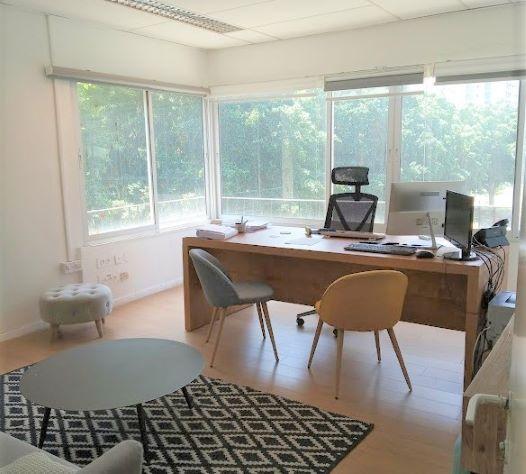 """300 מ""""ר משרד נדיר להשכרה על רוטשילד. חדר עבודה"""