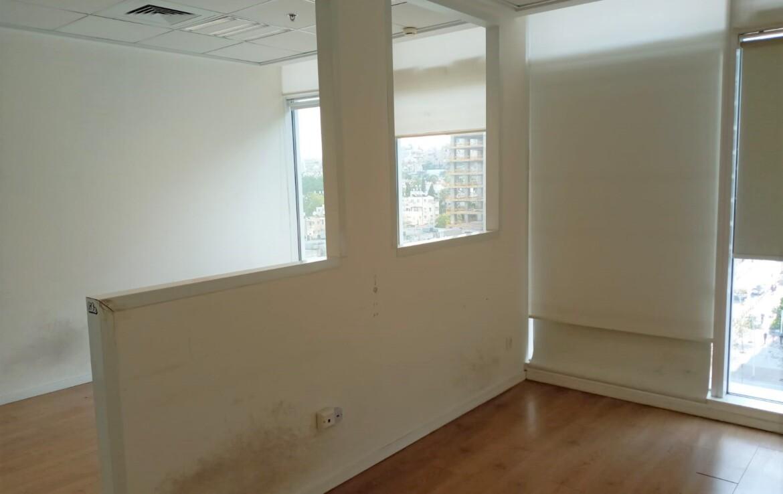 """220 מ""""ר משרד מטופח להשכרה בבסר 3, חדר עבודה"""