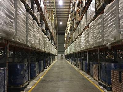 """1,000 מ""""ר בחולון, מחסן/מבנה תעשייה, להשכרה"""