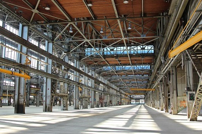 """1,500 מ""""ר ברעננה, מחסן/מבנה תעשייה, להשכרה"""