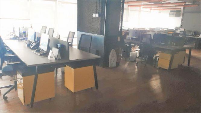 """1040 מ""""ר משרדים מפוארים להשכרה בבסר, חלל עבודה גדול"""