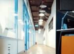 """1040 מ""""ר משרדים מפוארים להשכרה בבסר, מסדרון"""