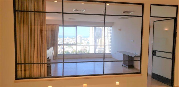 """540 מ""""ר משרד מושלם להשכרה במגדל בבורסה, חדר ישיבות"""