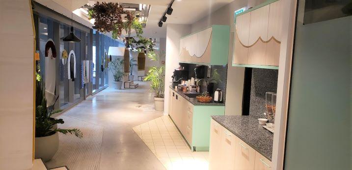 """3,300 מ""""ר משרד מושלם במגדל תוהה בת""""א, מסדרון ומטבח"""
