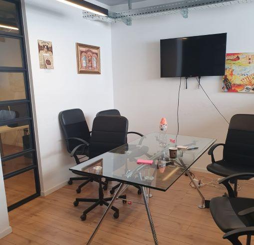 """משרדים להשכרה במרכז ת""""א מתאימים מאד להיי טק, חדר עבודה"""