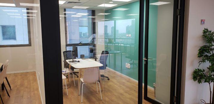 """230 מ""""ר משרד מטופח בארבעה ת""""א, חדר עבודה"""