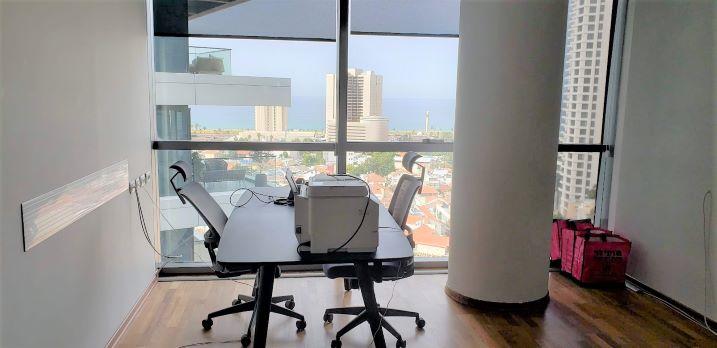 """250 מ""""ר משרד מדהים להשכרה בלב ת""""א, חדר עבודה"""