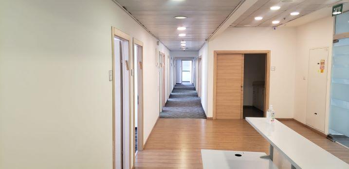 משרדים מטופחים בקרית אריה מסדרון